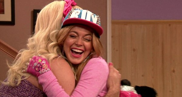 Lindsay Lohan satiriza One Direction e Miley Cyrus