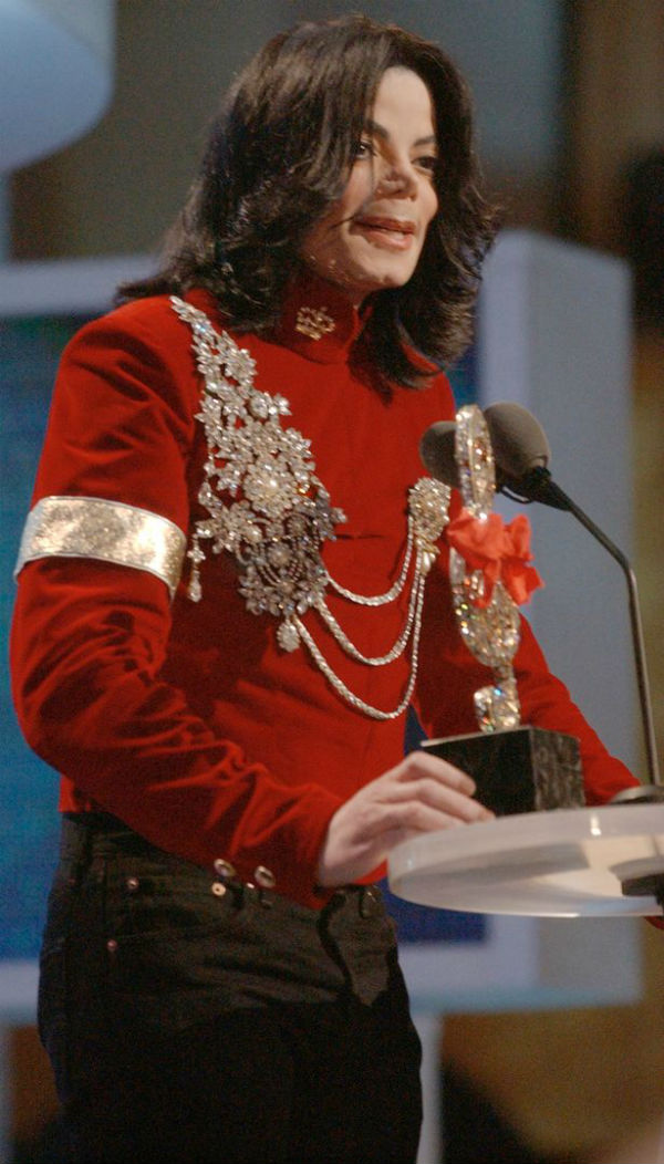 Coreógrafo acusa Michael Jackson de abuso sexual