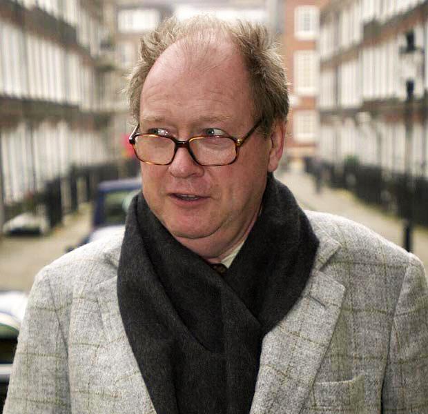 Jornalista do The Guardian recebe pena por difamar Lord McAlpine