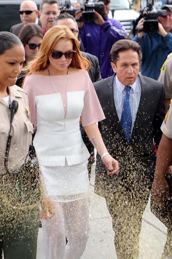 Lindsay Lohan compromete-se a 90 dias de reabilitação