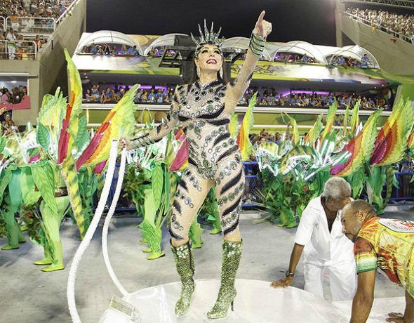 Escola de Samba quer Christiane Torloni para Rainha da Bateria