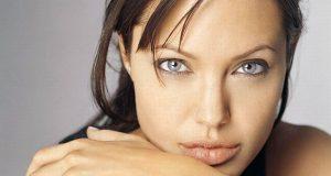 Angelina Jolie faz dupla mastectomia