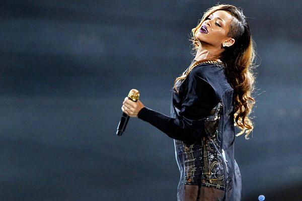 Uma longa espera por Rihanna
