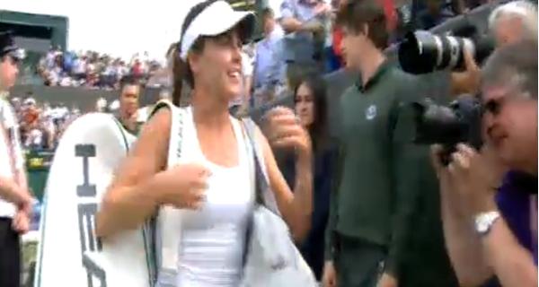 Michelle Brito alcança triunfo sobre Sharapova