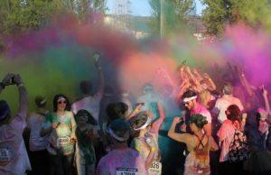 Uma explosão de cor para sair do cinzentismo