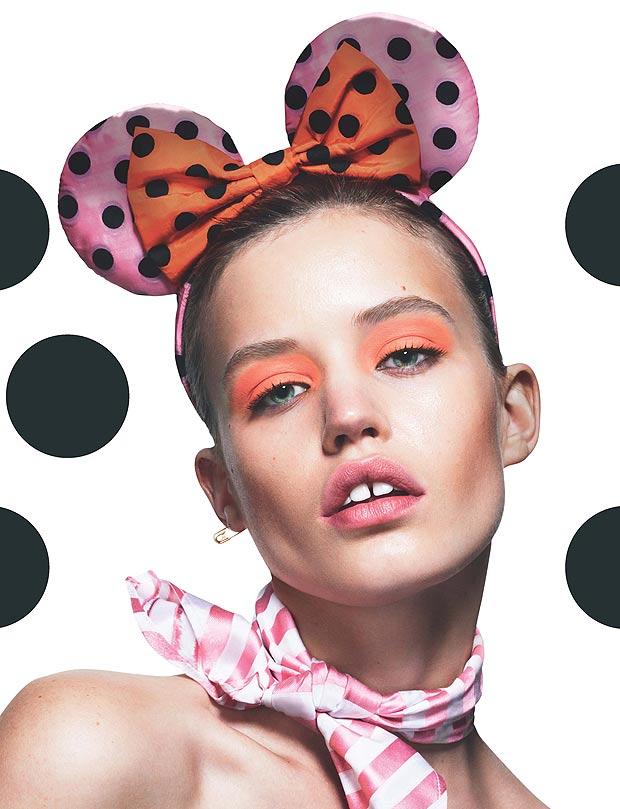 Modelos britânicas posam como Minnies sexy