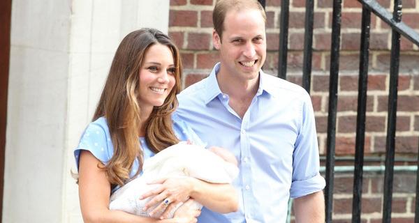 Kate e William apresentam o bebé real