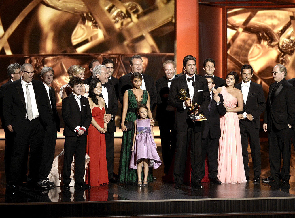 Emmys premiam Breaking Bad e Modern Family