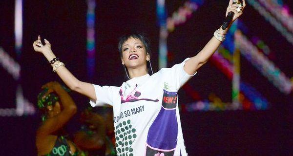 Rihanna faz playback em Singapura e controvérsia na Tailândia