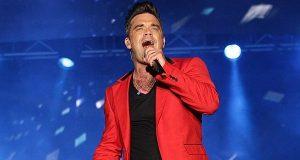 Robbie Williams volta ao swing com humor auto-depreciativo