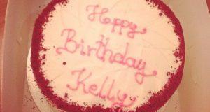 Lady Gaga envia bolo de aniversario a Kelly Osbourne