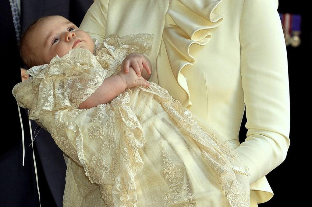 Príncipe George batizado no Palácio de Saint James