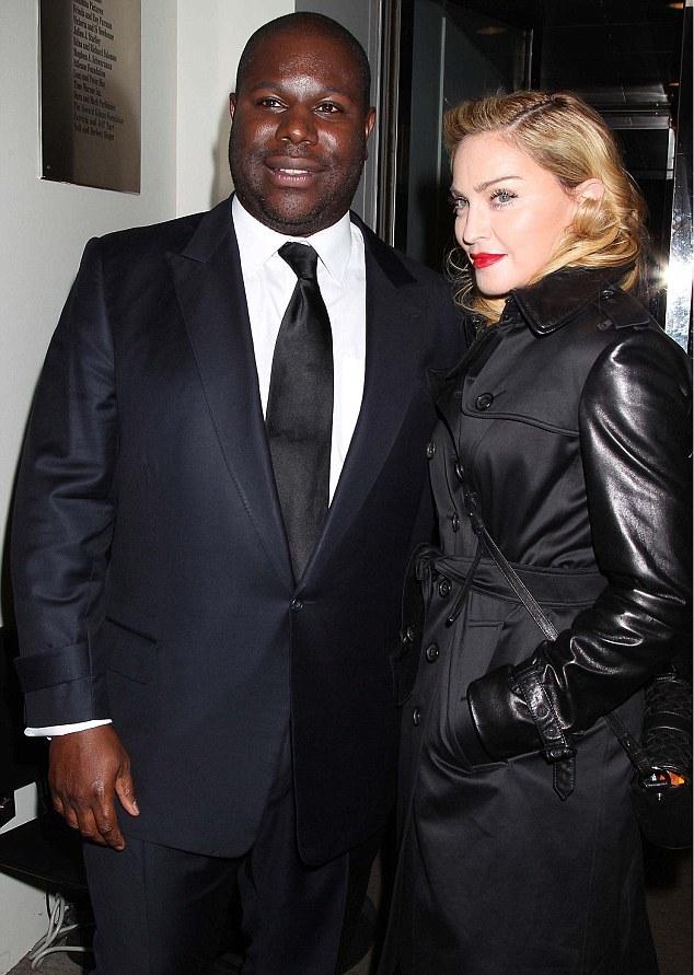 Madonna não para de enviar mensagens durante filme
