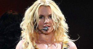Britney Spears revela que está apaixonada