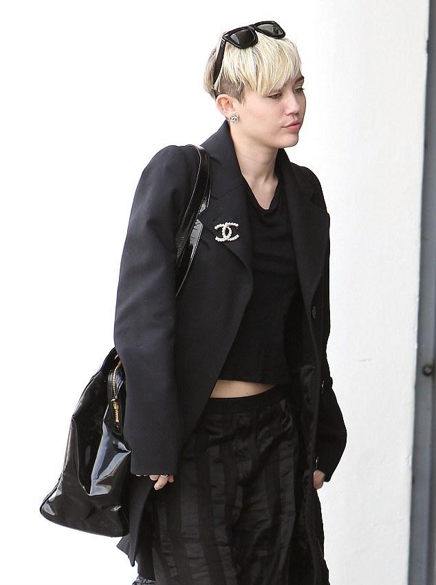 Fotógrafo recusa-se a trabalhar com Miley para Marc Jacobs