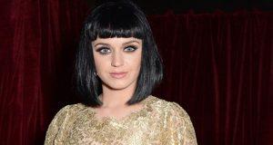 Katy Perry ajuda no nascimento de um bebé