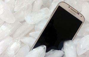 iPhone encontrado na neve por detetor de metais