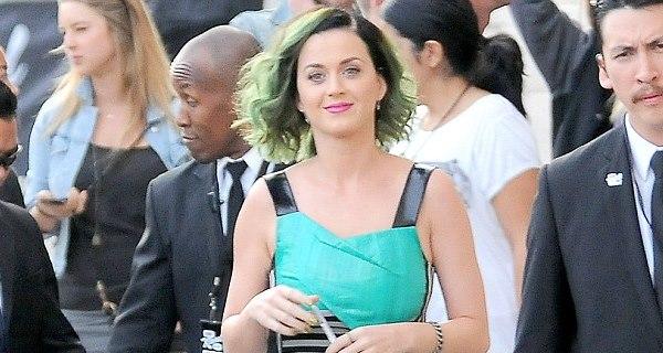 Katy Perry provoca caos em festa de aniversário