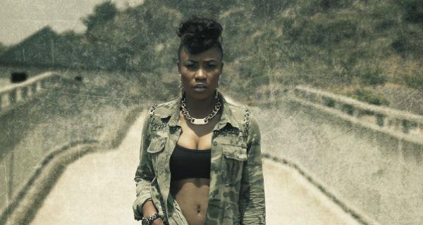 Cantora oferece virgindade em troca de adolescentes Nigerianas