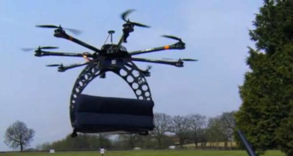Empresa entrega pizzas em drones