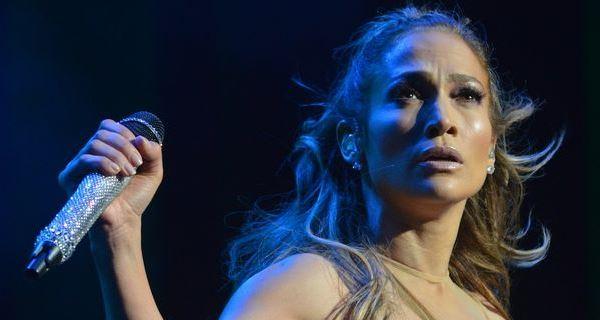Jennifer Lopez atua na abertura do Mundial