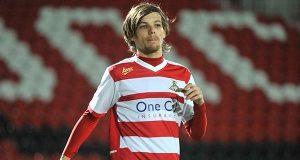 Cantor dos One Direction compra clube de futebol