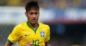 Adorável menina brasileira chora por Neymar