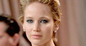 Site publica fotos de famosas nuas