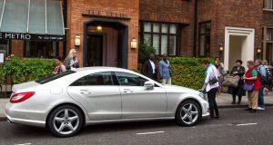 Mercedes coberto de cristais à venda no eBay