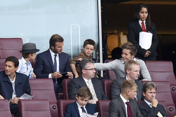 Brooklyn Beckham assina pelo Arsenal até ao fim da época