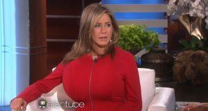 Seios de Jennifer Aniston insuflados em direto