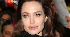 Angelina Jolie criticada por produtor de Hollywood