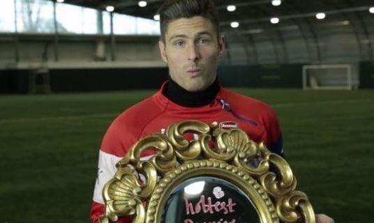 Olivier Giroud eleito jogador mais bem-parecido da Premuer League
